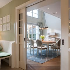 Sliding doors by Beinder Schreinerei & Wohndesign GmbH