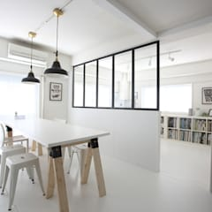 Offices & stores by maak inc.