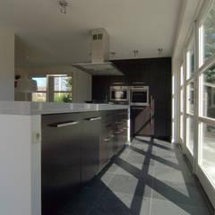 Interne verbouwing keuken,:  Keuken door Schindler interieurarchitecten,