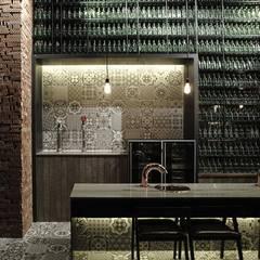 Maple Tree House: DESIGNBLOB의  레스토랑