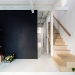 Re:Toyosaki: coil松村一輝建設計事務所が手掛けた廊下 & 玄関です。,オリジナル