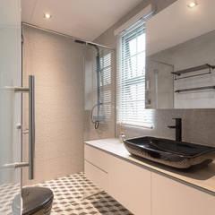 Serenity Park:  Bathroom by Eightytwo Pte Ltd,Scandinavian