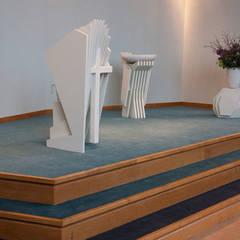 Liturgisch meubilair:  Congrescentra door Tim van de Weerd