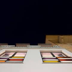 Via Pinelli - finestre: Finestre in stile  di info4577