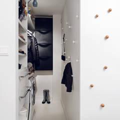 Apartament w Gdyni 2012 formativ. indywidualne projekty wnętrz Nowoczesna garderoba