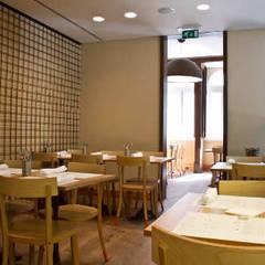 Ambiente Interior e mobiliário: Espaços de restauração  por adoroaminhacasa