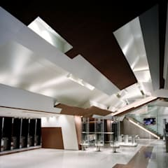 Eclectic style airports by FUMITA DESIGN OFFICE INC. Eclectic