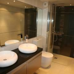 Chalet Chardon - sdb 4: Salle de bains de style  par shep&kyles design
