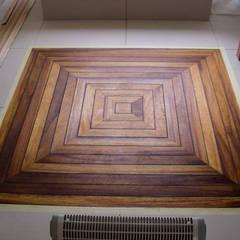 Deski podłogowe w łazience - różne realizacje: styl , w kategorii Ściany zaprojektowany przez Profi Parkiet II Parkiet.pl
