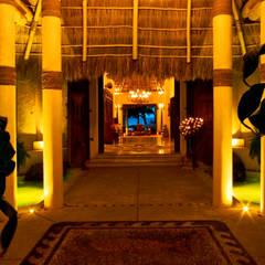 Rancho 3: Pasillos y recibidores de estilo  por BR  ARQUITECTOS