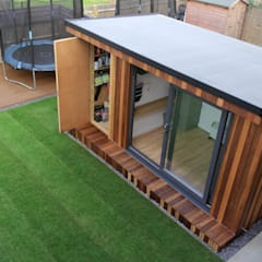 Garden Office with hidden storage shed built by Garden Fortress , Surrey Garden Fortress Study/office