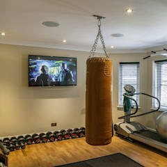 Hata Smart Home: modern Gym by Finite Solutions
