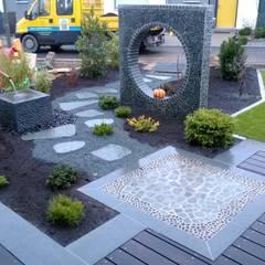 """rundes """"Fenster"""":  Terrasse von Neues Gartendesign by Wentzel"""