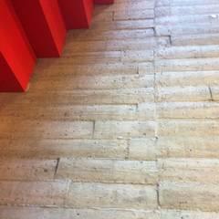 Betontapete als Brettschalung:  Wände von XSTONE Bodenbelags GmbH