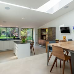 Broadhinton Road:  Dining room by Will Eckersley