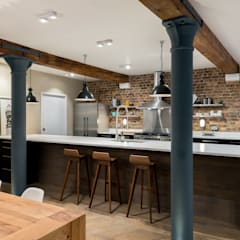 Oliver's Wharf: industrial Kitchen by Will Eckersley