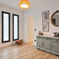 Couloir et hall d'entrée de style  par Dröm Living, Scandinave