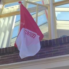 de vlag kan uit!:  Ramen door Architectenbureau Vroom