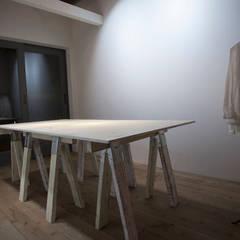 広尾のギャラリーカフェ[Earth & Salt]: VOLOが手掛けたオフィススペース&店です。,ラスティック
