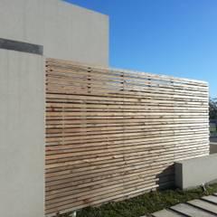 Moderner Garten von estudio|44 Modern Holz Holznachbildung