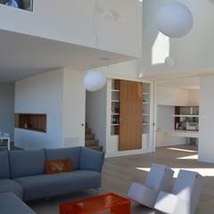woning te Neerijse:  Woonkamer door hasa architecten bvba