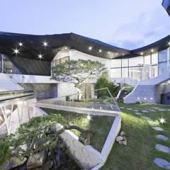 Сад в стиле модерн от IROJE KIMHYOMAN Модерн