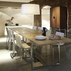 ห้องทานข้าว โดย GHYCZY, โมเดิร์น