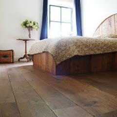 Frans eiken Abdijvloer: koloniale Slaapkamer door De Vloerderij bv