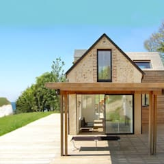 Maison V.W.: Maisons de style  par Franklin Azzi Architecture