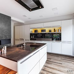 ORT DER RUHE:  Küche von ONE!CONTACT - Planungsbüro GmbH