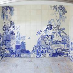 twee vrouwen:  Winkelruimten door José den Hartog