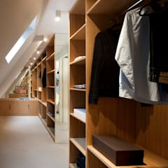 Dressing Room:  Dressing room by TG Studio