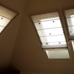 rolety rzymskie do okien dachowych.: styl , w kategorii Garderoba zaprojektowany przez 7 razy ładniej