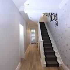 Bellevue, Harrow on-the-Hill:  Corridor & hallway by London Building Renovation, Classic
