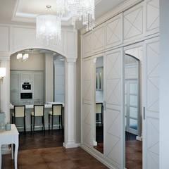 Pasillos, vestíbulos y escaleras de estilo clásico de EJ Studio Clásico