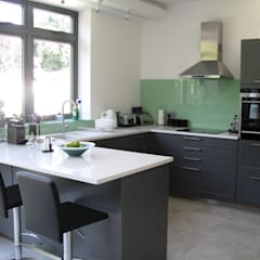 LAVA :  Kitchen by Schmidt Wimbledon