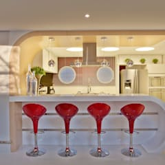 مطبخ تنفيذ Designer de Interiores e Paisagista Iara Kílaris , حداثي