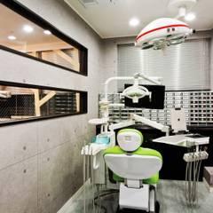 Goodweve Dental Clinic: (주)유이디자인의  병원,인더스트리얼