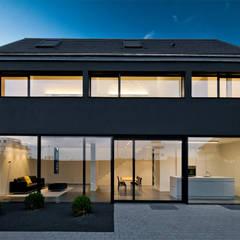 minimalistic Houses by Thomas Fabrinsky Dipl.-Ing. Freier Architekt BDA