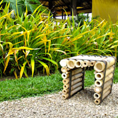 Gawad Kalinga Chair: Maisons de style  par Sensass