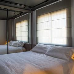 Bedroom by Leticia Sá Arquitetos, Modern