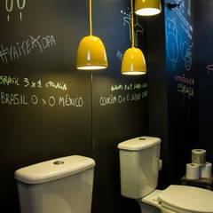 Bathroom by Leticia Sá Arquitetos, Minimalist