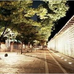 서울시 4대문_2007: Eon SLD의  행사장,한옥