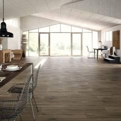 Pavimentos imitación a madera: Paredes de estilo  de INTERAZULEJO
