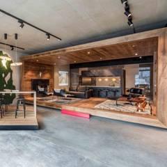 Showroom design - Hakwood Studio Tirol:  Winkelruimten door Standard Studio - Amsterdam