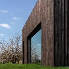 Dom w Burowie: styl , w kategorii Taras zaprojektowany przez WIZJA