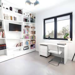 Dom z miętą: styl , w kategorii Domowe biuro i gabinet zaprojektowany przez COCO Pracownia projektowania wnętrz