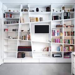 Dom z miętą COCO Pracownia projektowania wnętrz Minimalistyczne domowe biuro i gabinet