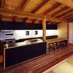 加美の山荘 オリジナルデザインの キッチン の 井上久実設計室 オリジナル