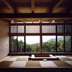 Rumah oleh  井上久実設計室